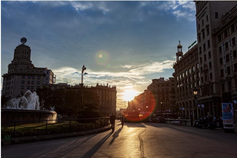 La Plaça Catalunya de Barcelone Barcelona-Home