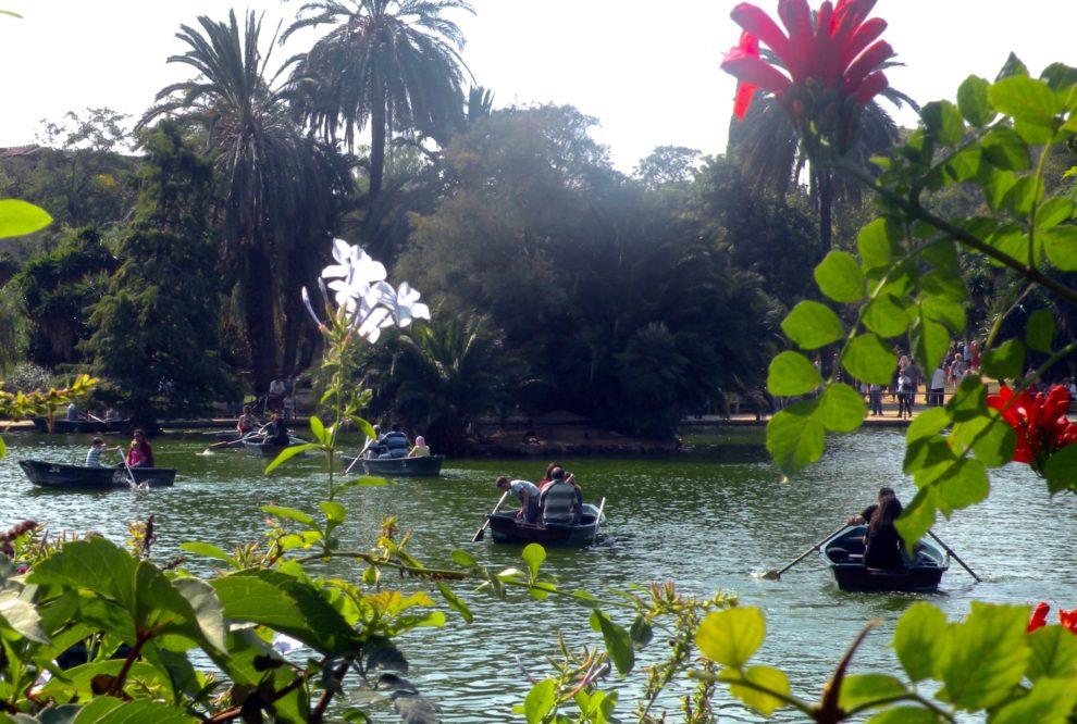 Parque_Jardín_de_la_Ciudadela_,_lago_con_barcas,_Barcelona