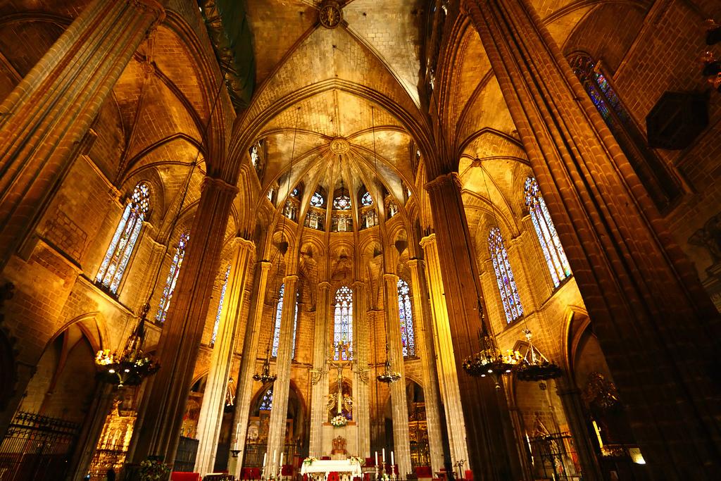 Barcelona cathedral la seu interior feature
