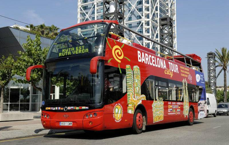 barcelona tour bus feature picture