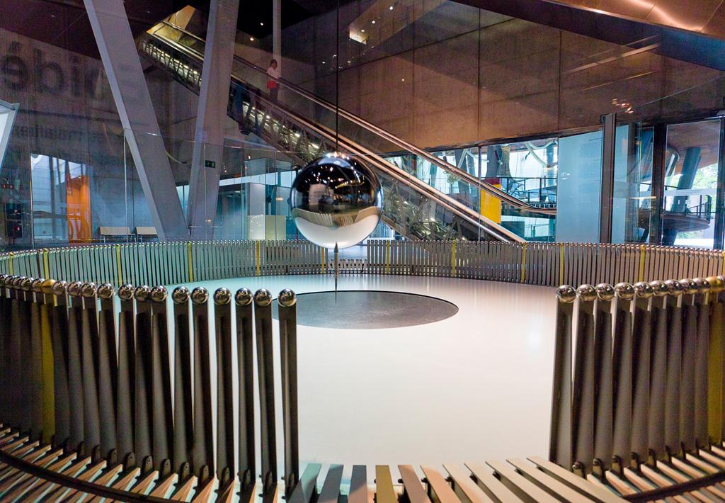 Foucault's Pendulum CosmoCaixa Barcelona science museum