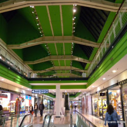 Centro comercial glories indoor shopping