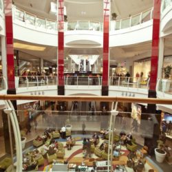 Diagonal Mar Centre Comercial Inglot Store