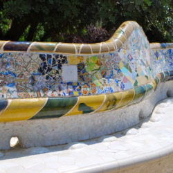 mosaic-seat-borders-at-parc-guell