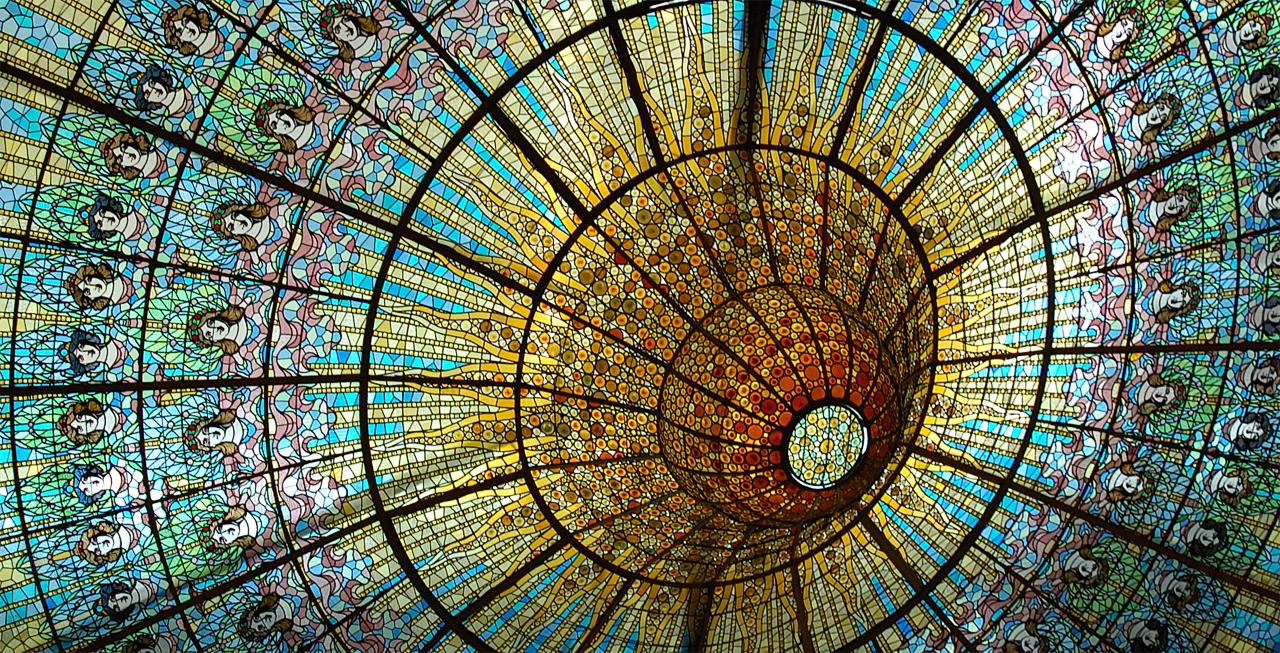palau-de-la-musica-catalana-coloured-glass-ceiling