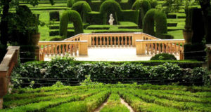 park labyrinth view feature