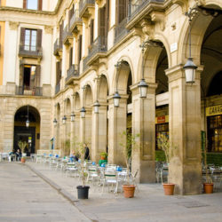 placa-reial-barcelona-architecture