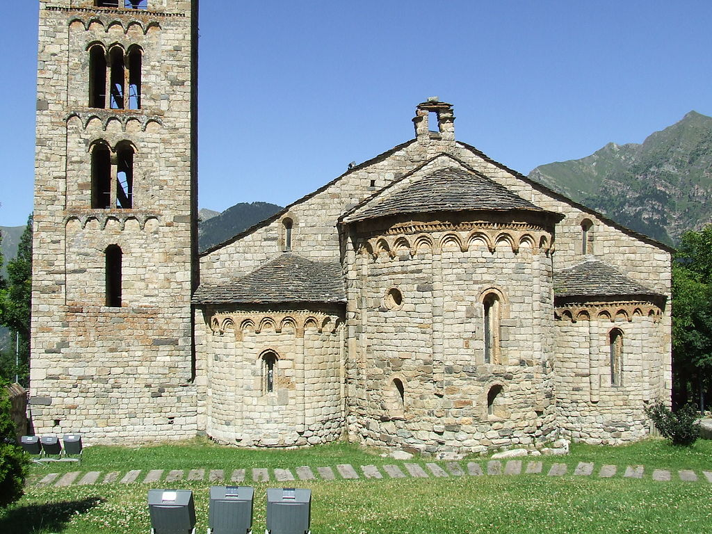 Vall De Boi stunning View of Romenesque Church