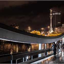 maremagnum bridge outside barcelona shopping