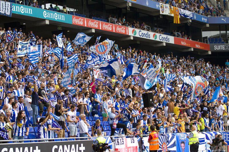 Výsledok vyhľadávania obrázkov pre dopyt espanyol stadium fans