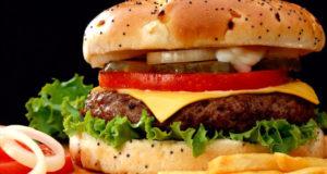hamburger-fast-food-french-fries-barcelona2-620x330