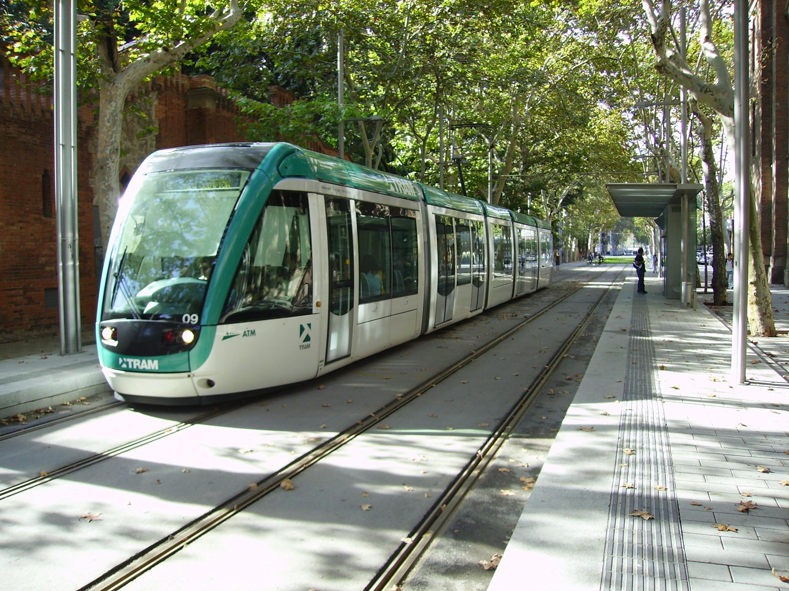 Prendere il tram a barcellona barcelona home blog for Affitti brevi barcellona