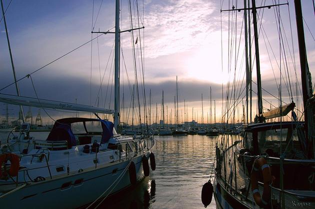 puerto de Valencia harbours in Spain