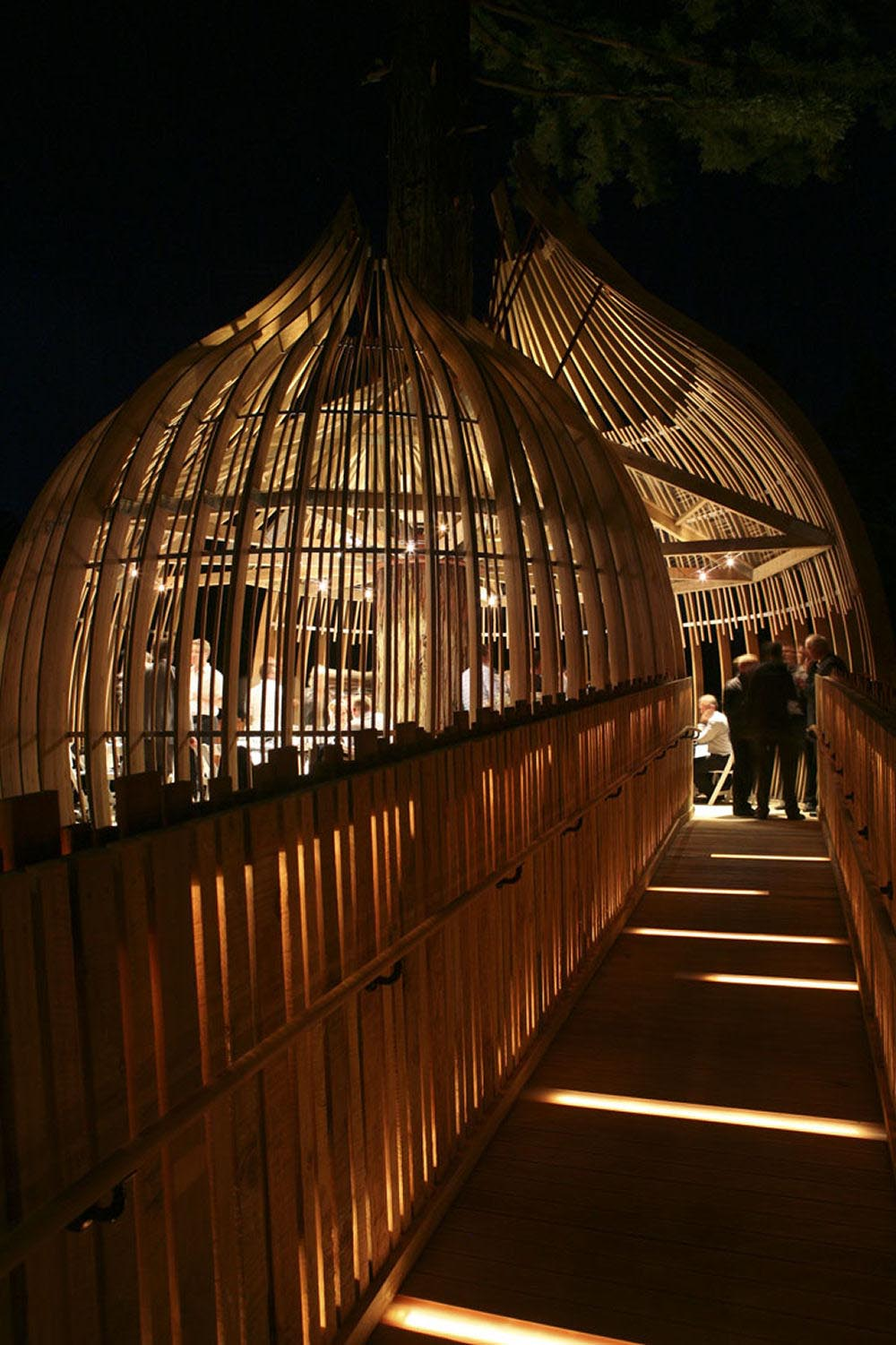 8.Yellow_Treehouse_Restaurant