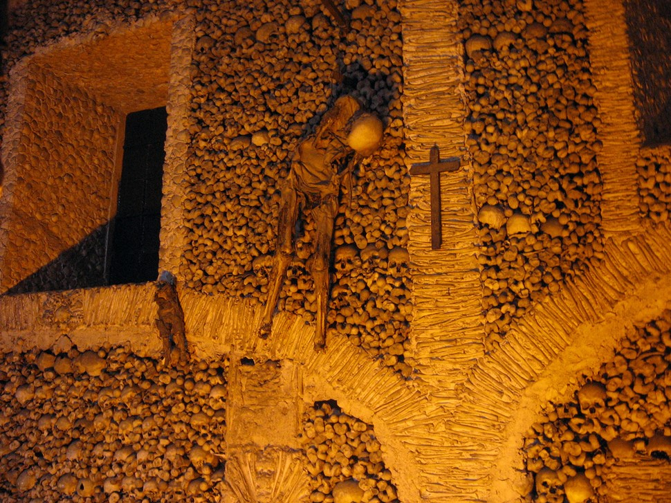 chapel-of-the-bones-portugal