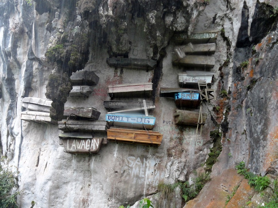 the-hanging-coffins-of-sagada-the-philippines2