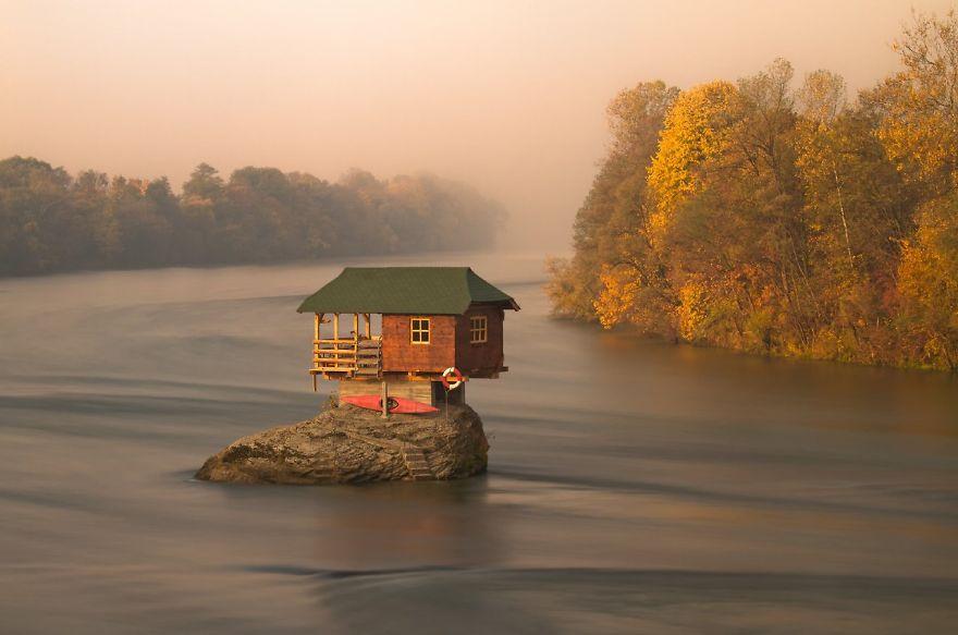 Casita del Lago, Serbia.