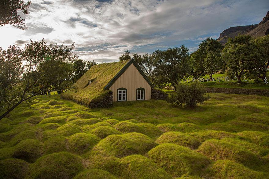 Hofskirkja, Isladia.