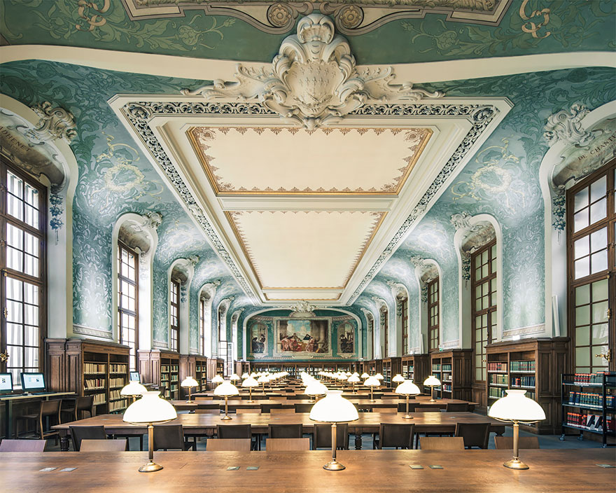 The 14 finest libraries around the world Barcelona-Home