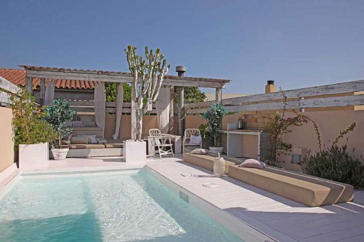 Luxurious Family Home With Pool To Rent In Barcelona