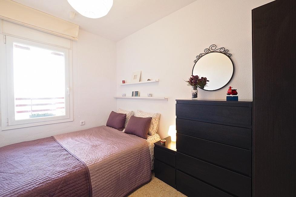 Chambre simple dans un appartement avec terrasse