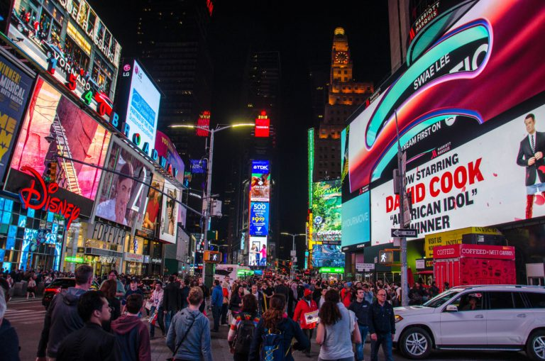 america-billboards-broadway-1112109