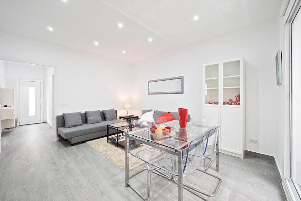 Exquisite Three Bedroom House with Two Terraces