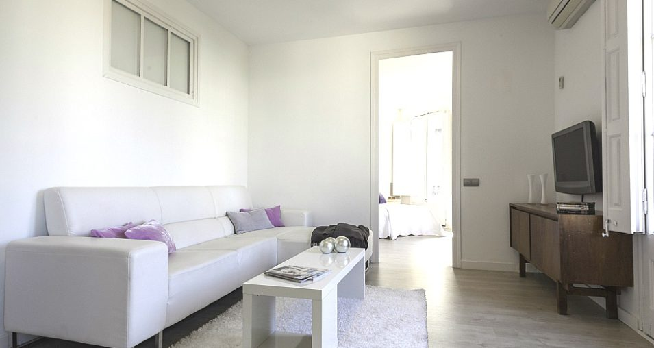 Rent 5 bedroom apartment Barcelona