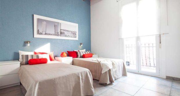Appartamenti con 4 camere da letto a barcellona for Capanna con 4 camere da letto