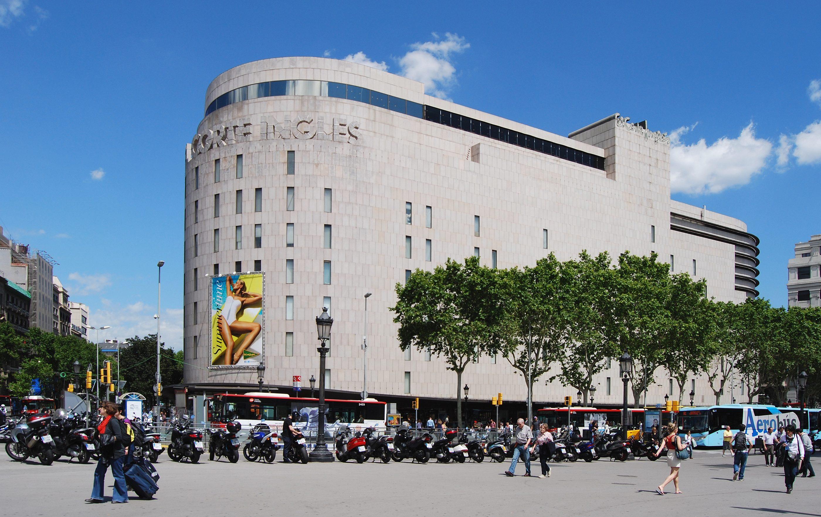 El_Corte_Inglés_Barcelona_Plaça_de_Catalunya_2013