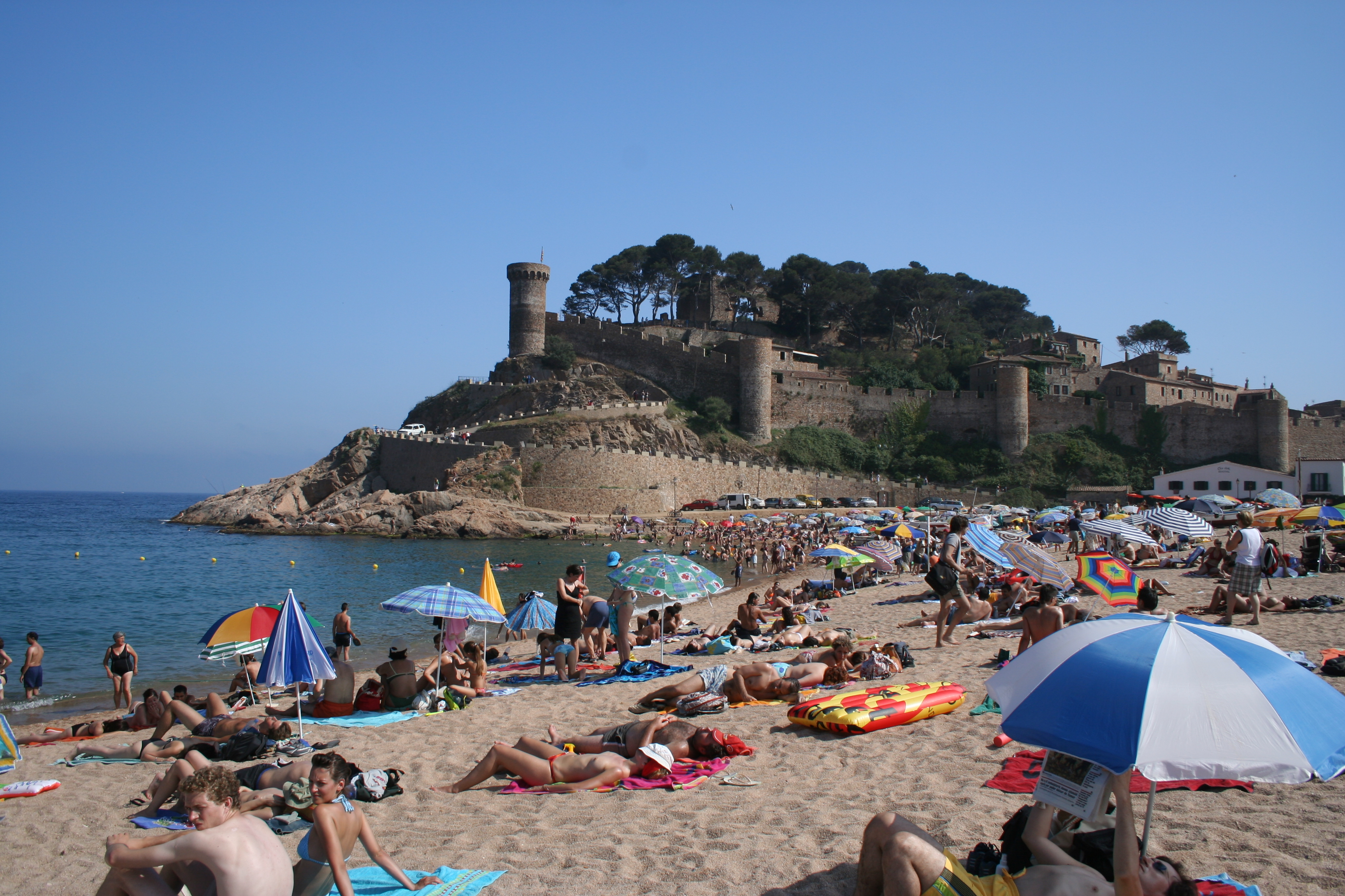 best weekend trips from barcelona: Tossa de mar
