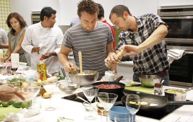 Gastronomy Experiences Barcelona: Paella workshop
