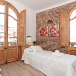 Modern 2 bedrooms apartment in Sants 1