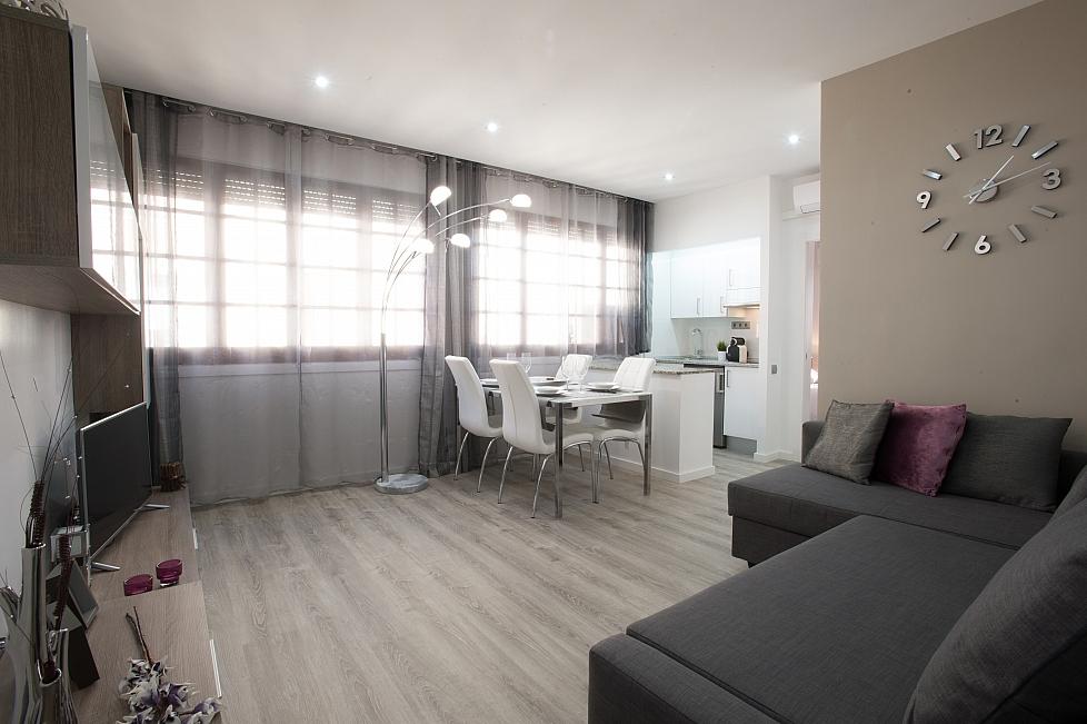 Business apartment in Gracia