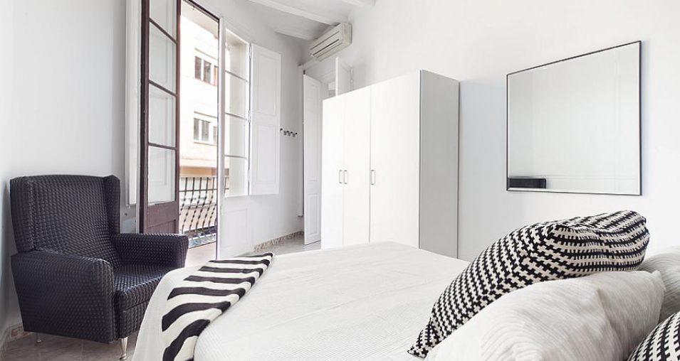 Accommodation-close-to-Palau-Sant-Jordi-955x508