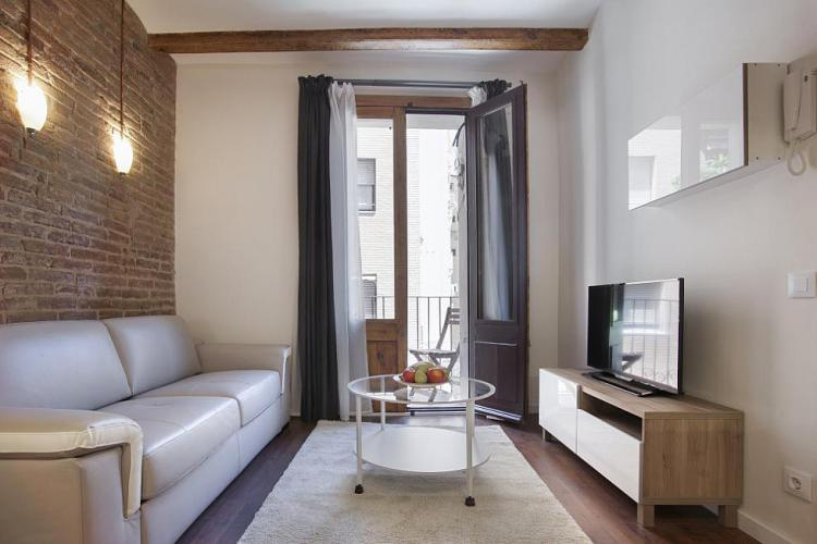 Cozy romantic apartment in Eixample