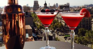 cocktail-frutos-rojos-terraza-la-dolce-vitae-majestic-hotel-spa-barcelona-900x508