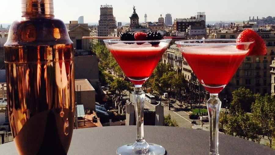 cocktail-frutos-rojos-terraza-la-dolce-vitae-majestic-hotel-spa-barcelona