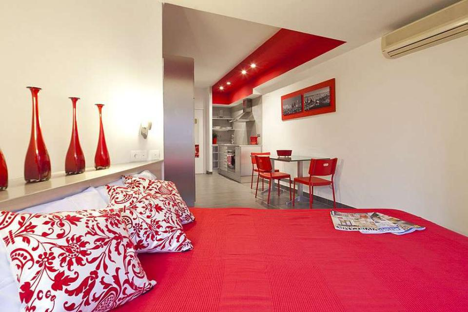 STUDIO FOR RENT NEAR PLAZA ESPANYA, BARCELONA; Barcelona-Home