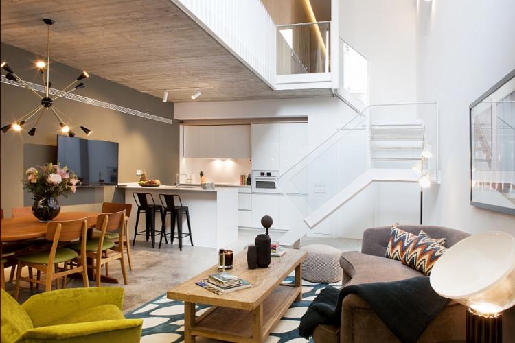 luxury duplex loft sant gervasi