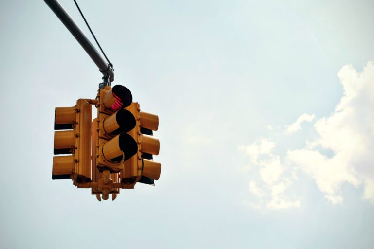 stop_light_traffic_light_stoplight_streetlight-69487.jpg!d