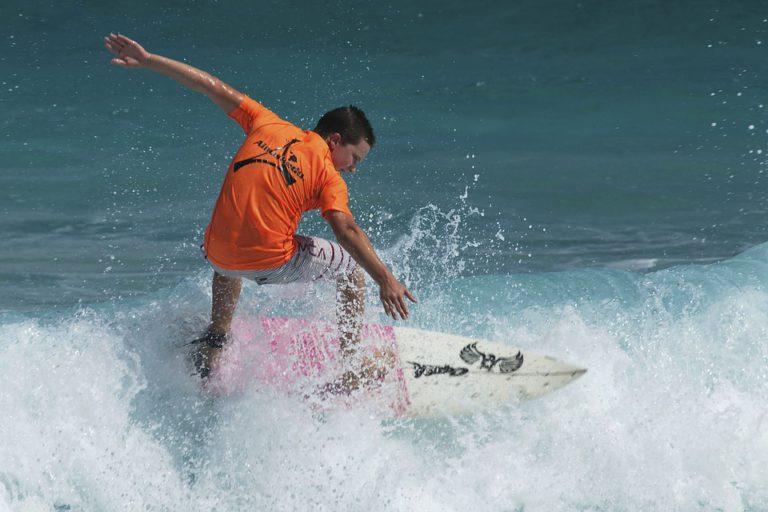 surfer-594948_960_720 (1)