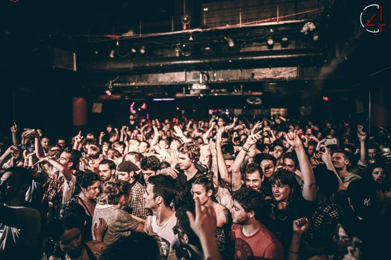 https://barcelona-home.com/events-and-guide/item/cityhall-barcelona-clubs/