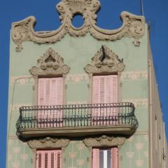 Imagen de un bonito edificio antiguo de apartamentos