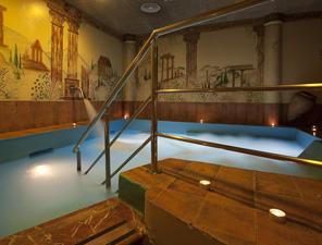 Piscina del Aqua Spa - Belleza y Masajes
