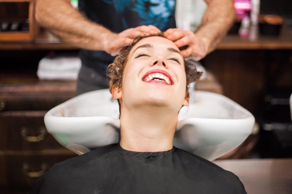 Anthony Llobet English Hair Salon - Directory Barcelona-home