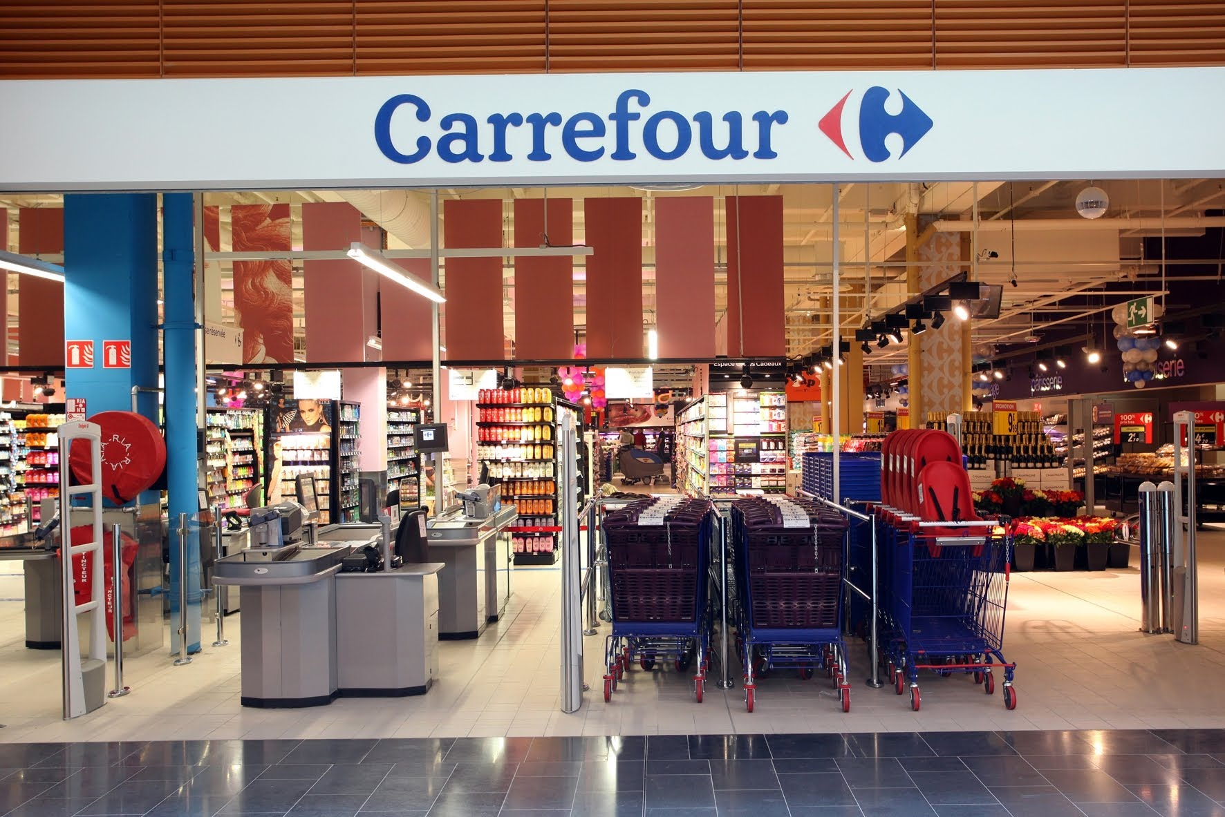 carrefour big supermarket events and guide barcelona home. Black Bedroom Furniture Sets. Home Design Ideas