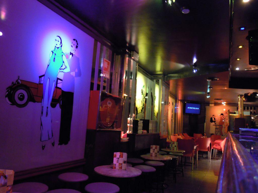 Karaoke Bar Contraste - Events and guide Barcelona