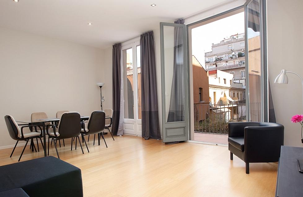 Accogliente appartamento in affitto ideale per famiglie a for Ville in affitto a barcellona
