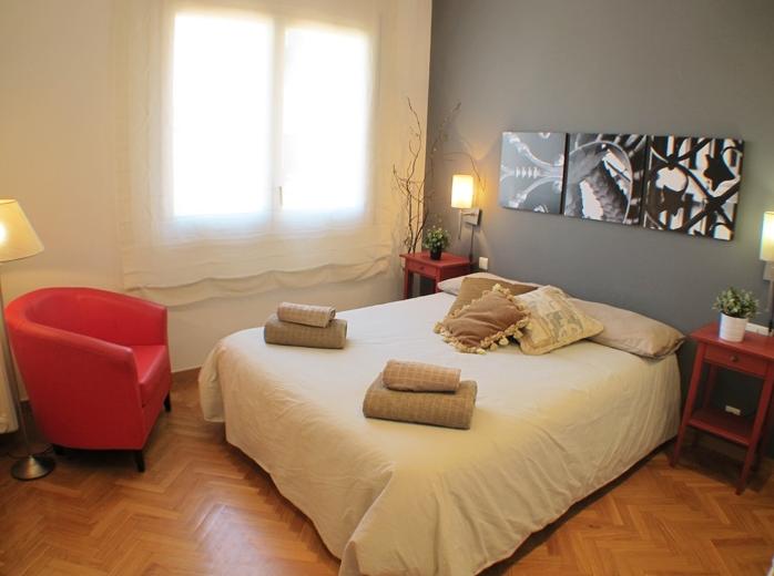 Apartment for rent near pla a universitat barcelona home - Placa universitat barcelona ...
